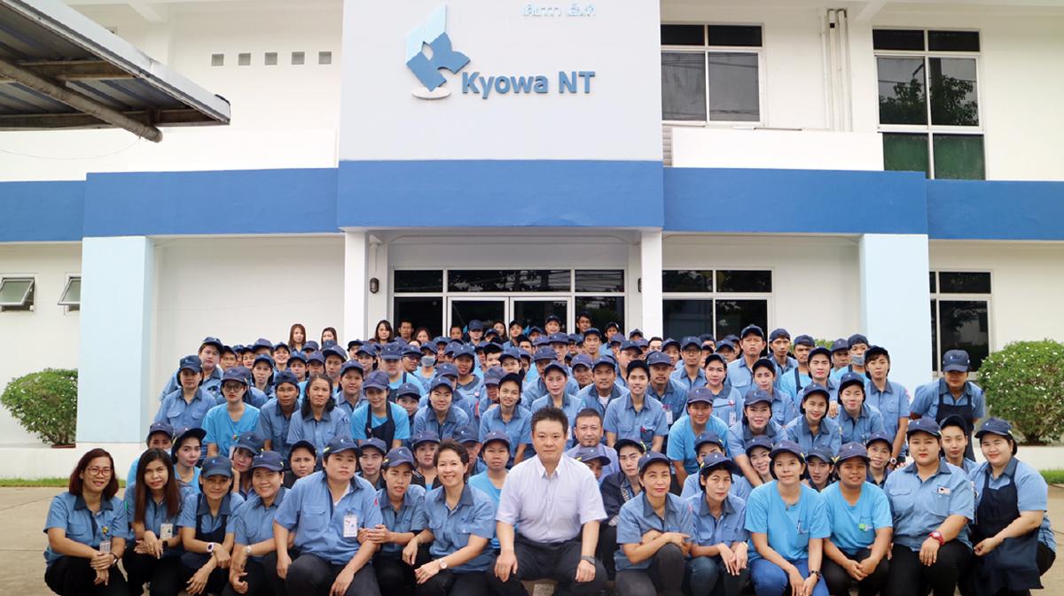 現在は100名以上の従業員が活躍中。タイ人スタッフは3カ月ごとに7人が日本へ研修に向かい、技術の研鑽に励むという