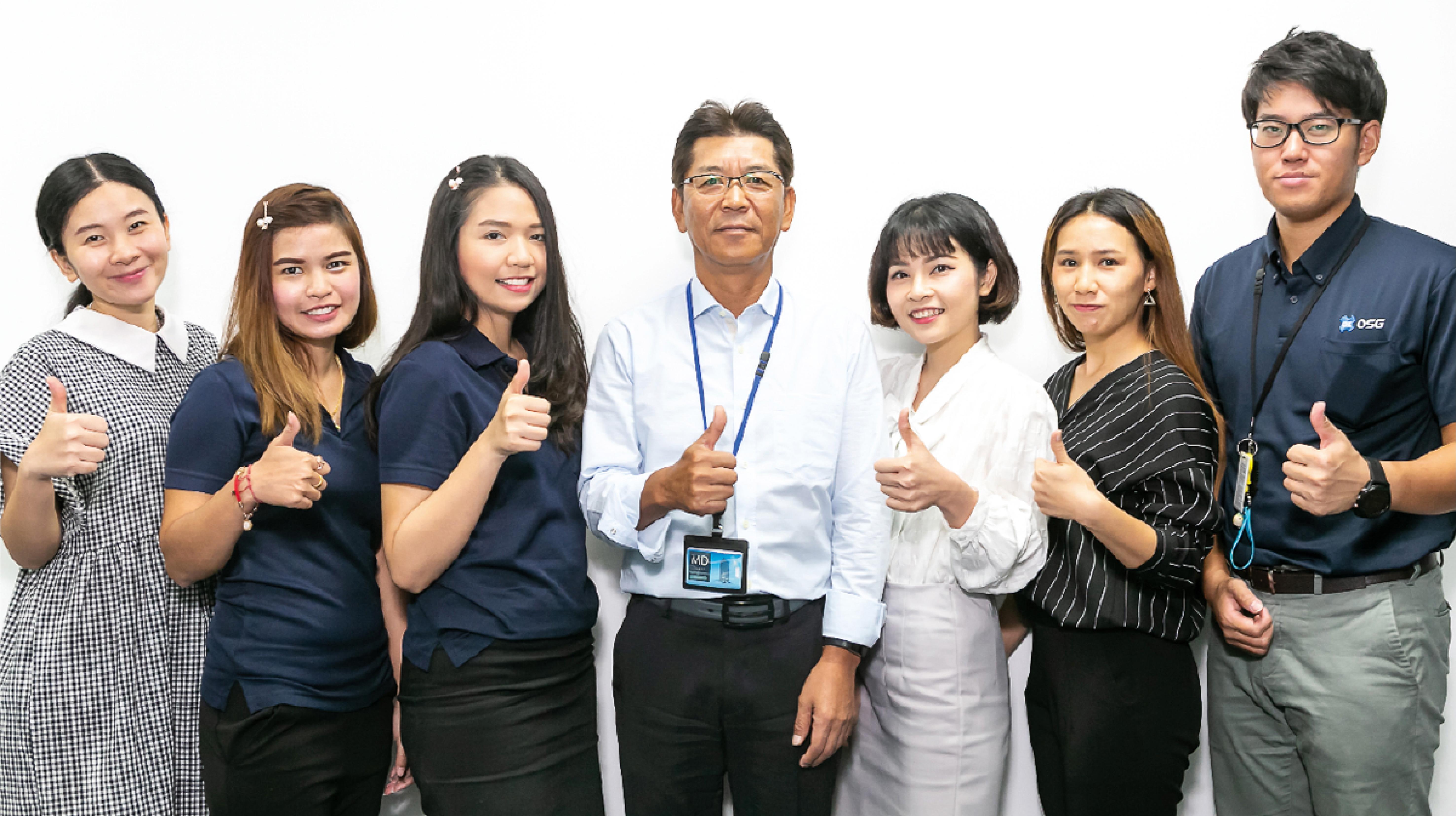 寺澤MD(中央)とスタッフ