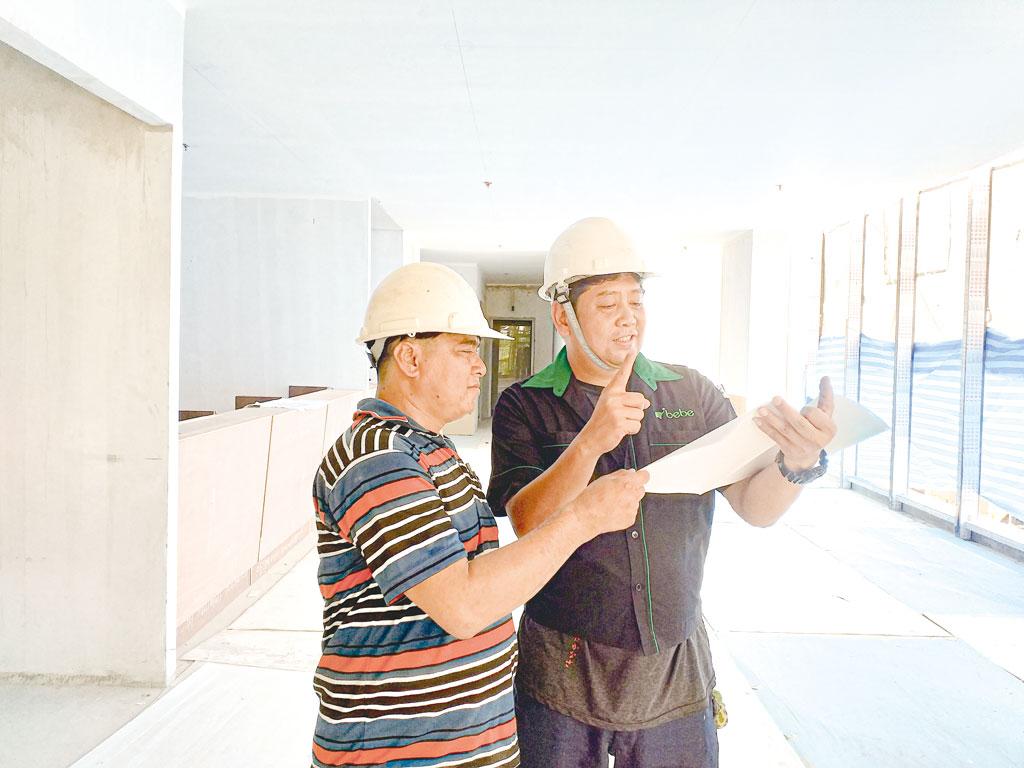 日本の工事現場を13年ほど経験したToon氏が施工管理を担当