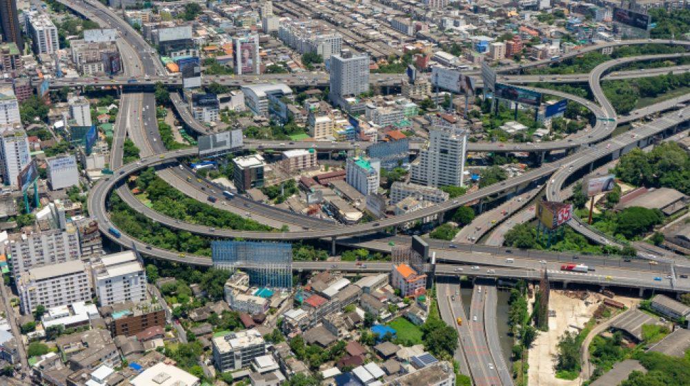 年末年始は4本の高速道路が利用料無料に