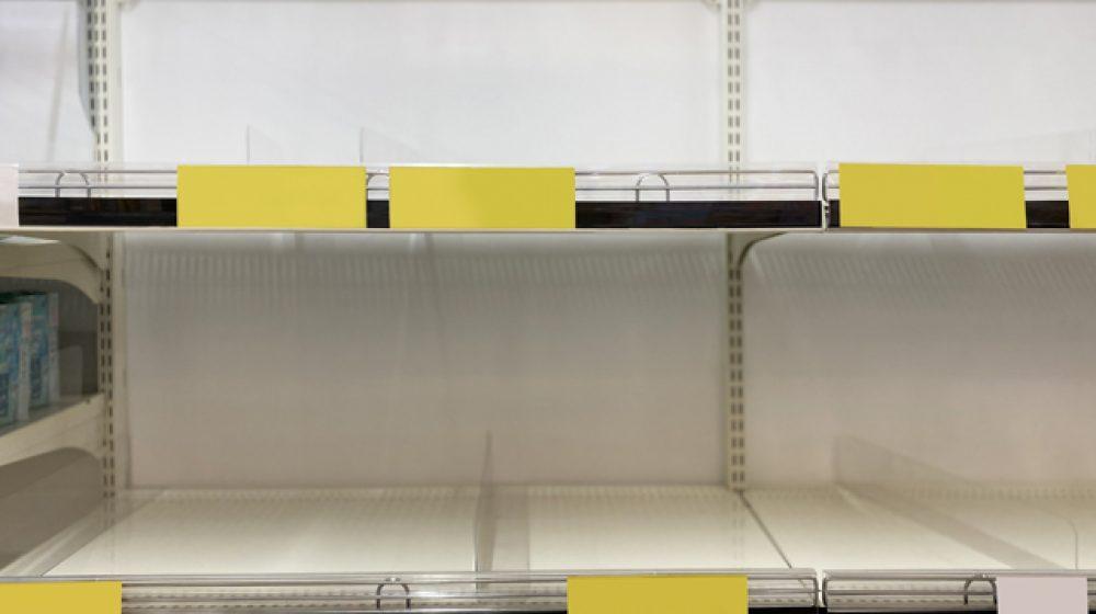 新型コロナでスーパー品薄、不安に煽られた消費者が買い溜め