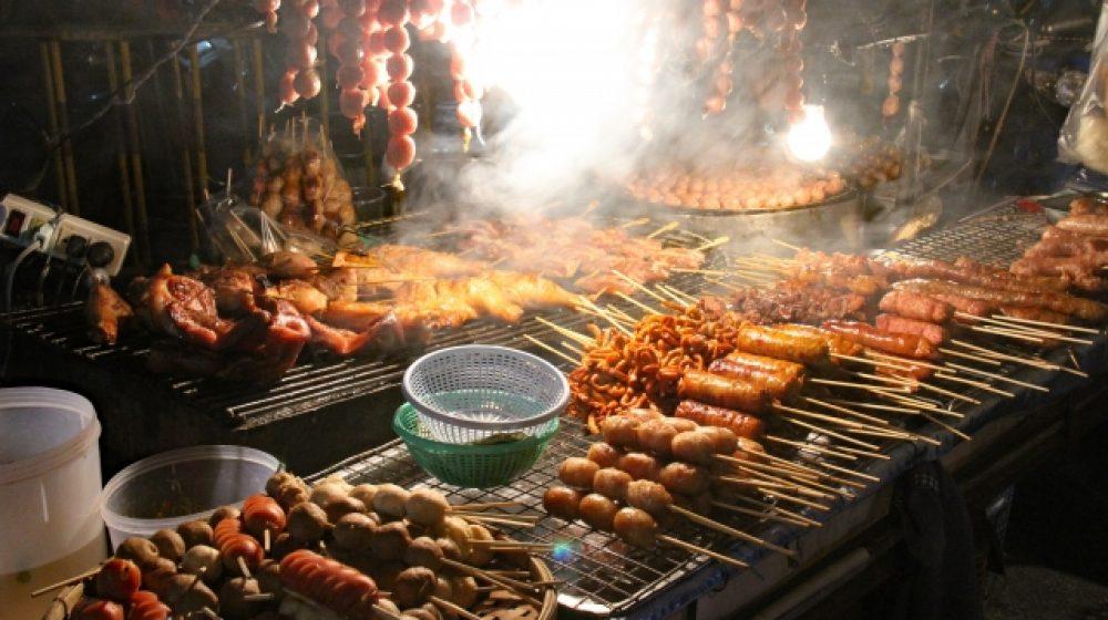 屋台の食べ物は鮮度重視 タイ人の購買行動、調査機関